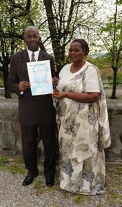 Le lauréat avec son épouse